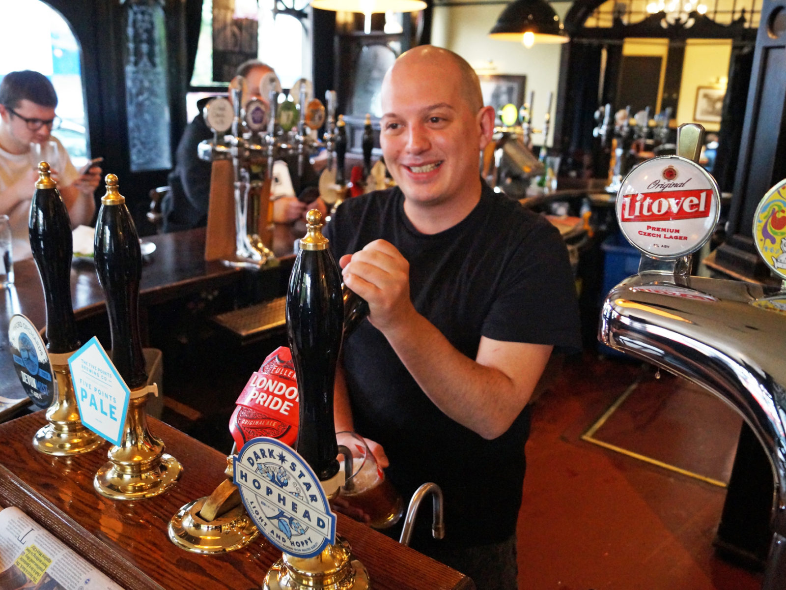 Dan pouring a pint at the Shaftesbury Tavern